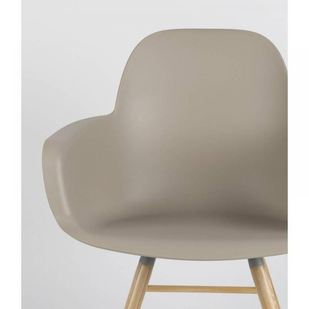 Chaises tables et chaises chaise avec accoudoirs design scandinave albert kuip taupe inside75 Chaise scandinave design