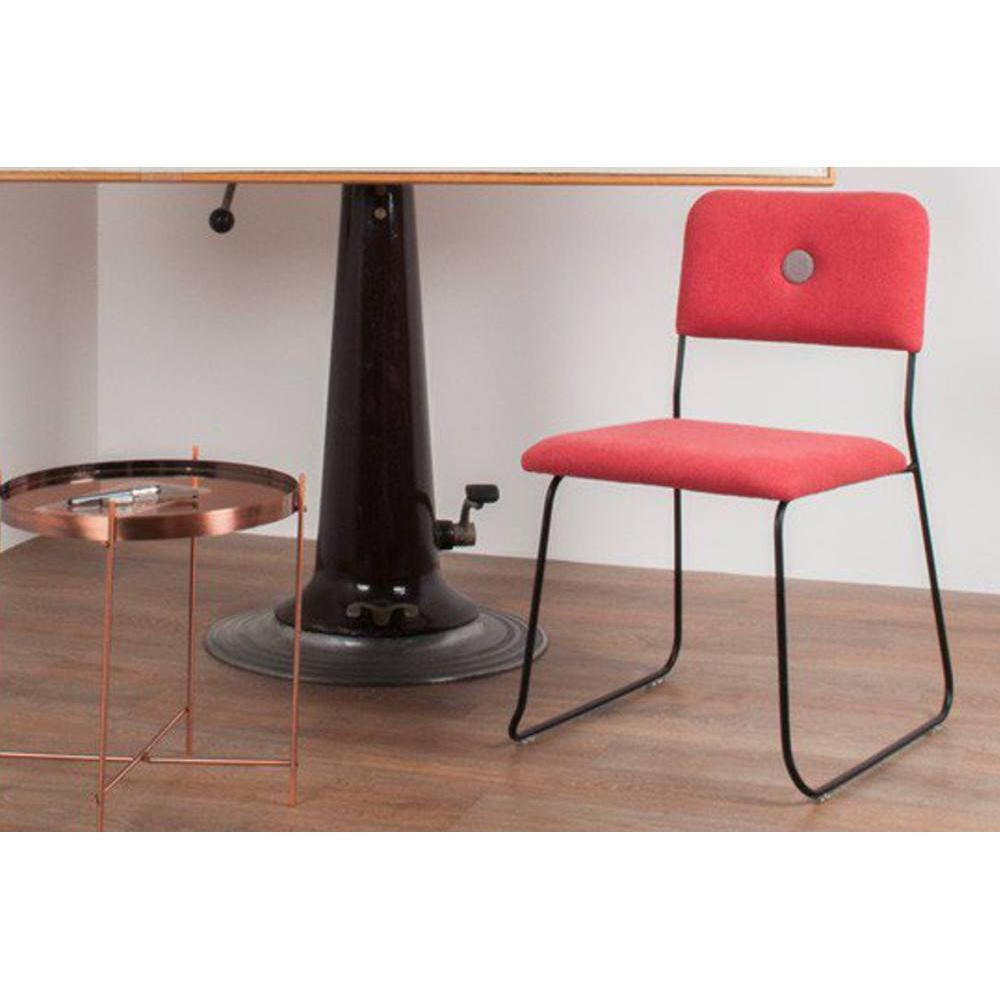 Chaises tables et chaises zuiver chaise feline rouge for Chaise zuiver