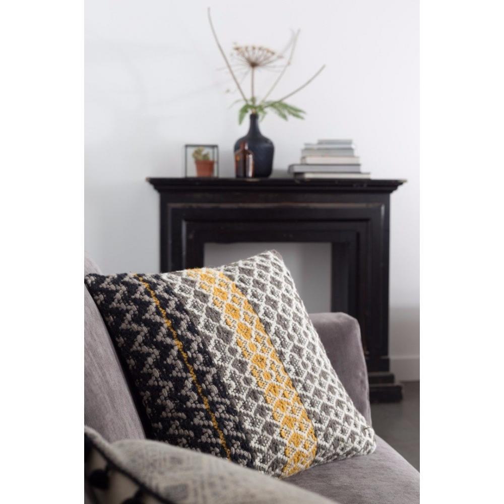 Chaises meubles et rangements zuiver coussin moose design scandinave - Coussin design scandinave ...