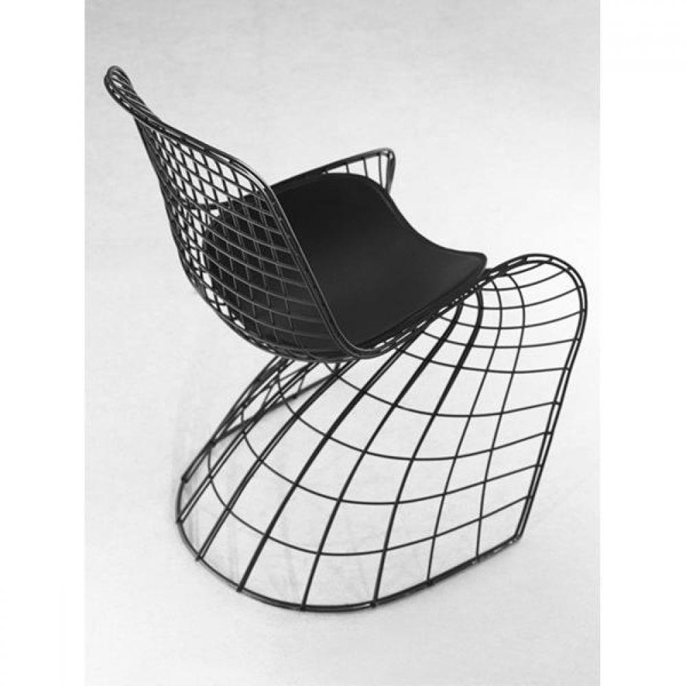 Chaises tables et chaises ghost chaise design m tallique fa on grillage noir empilable inside75 - Chaise metallique design ...