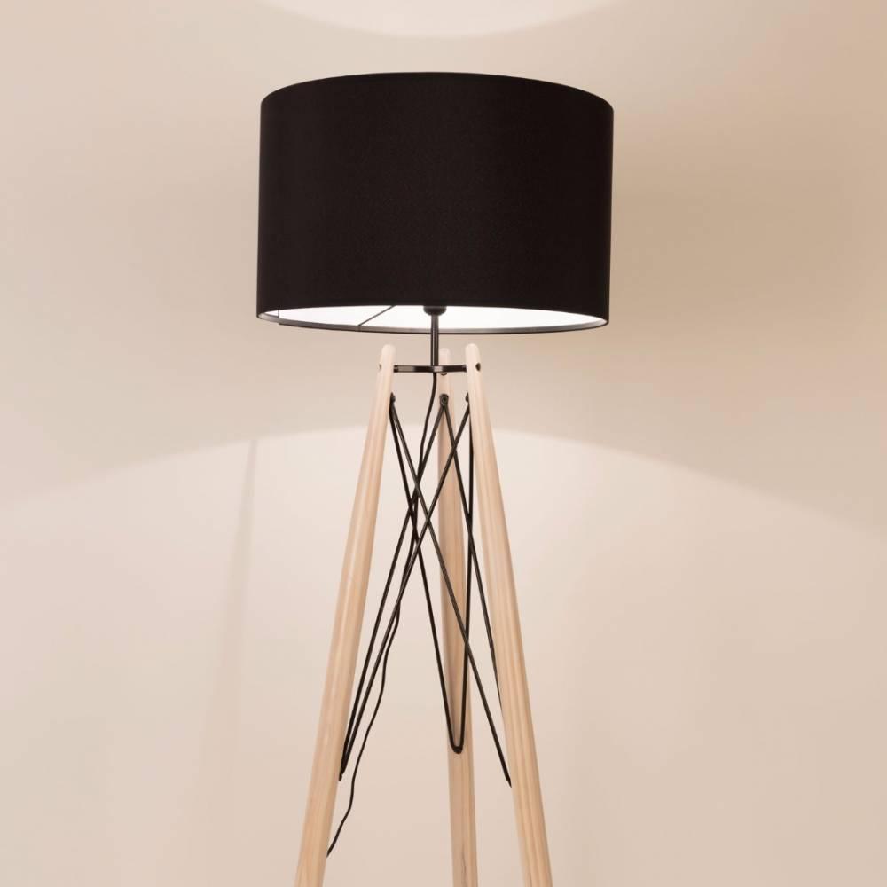Lampadaires luminaires lampadaire grid noir pi tement for Lampadaire style scandinave