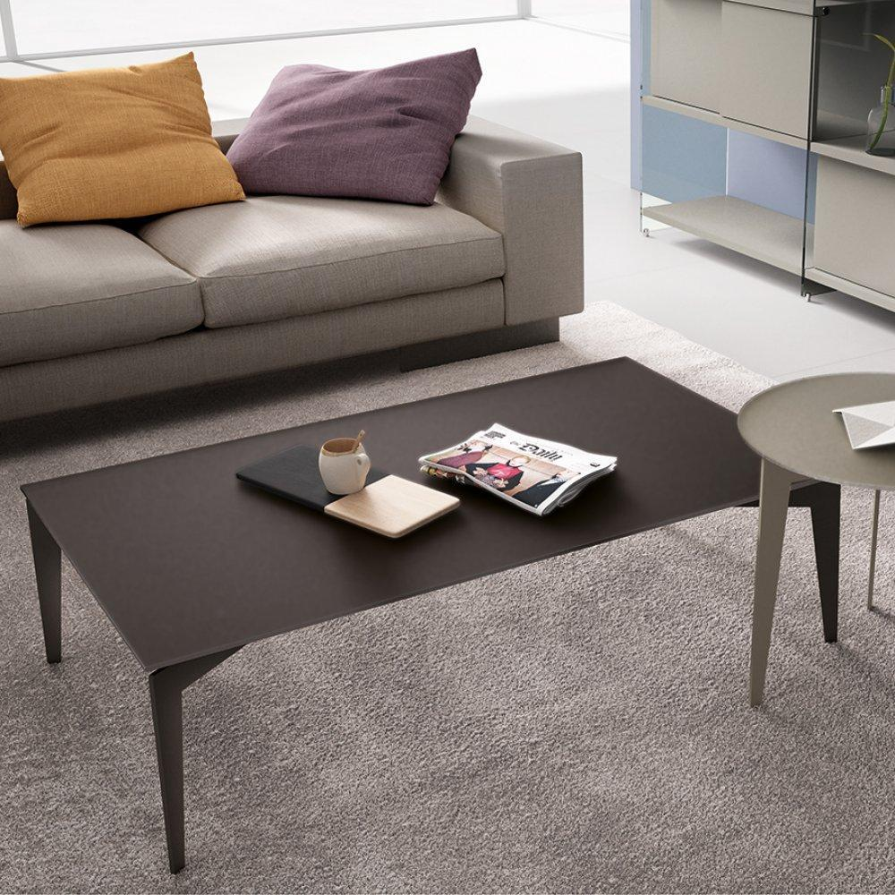Tables basses tables et chaises table basse rocky en for Table ultra basse