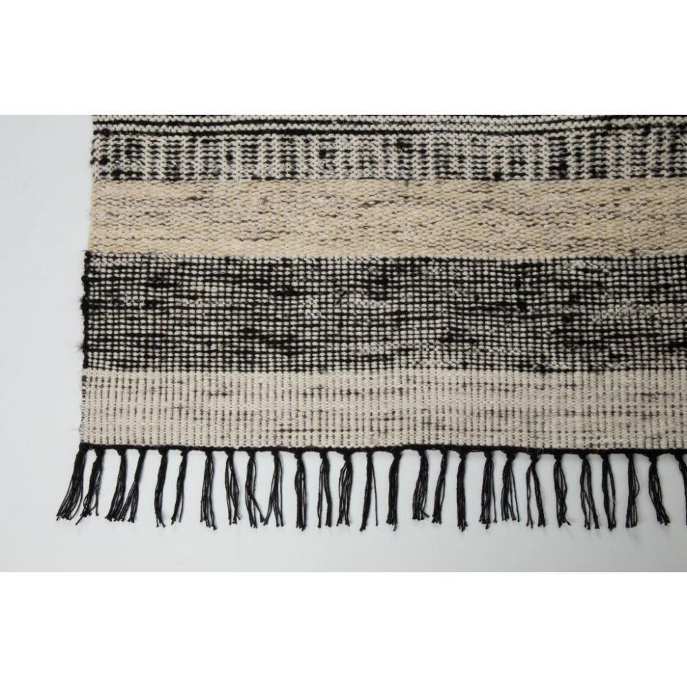 chaises meubles et rangements zuiver tapis fox design scandinave inside75. Black Bedroom Furniture Sets. Home Design Ideas