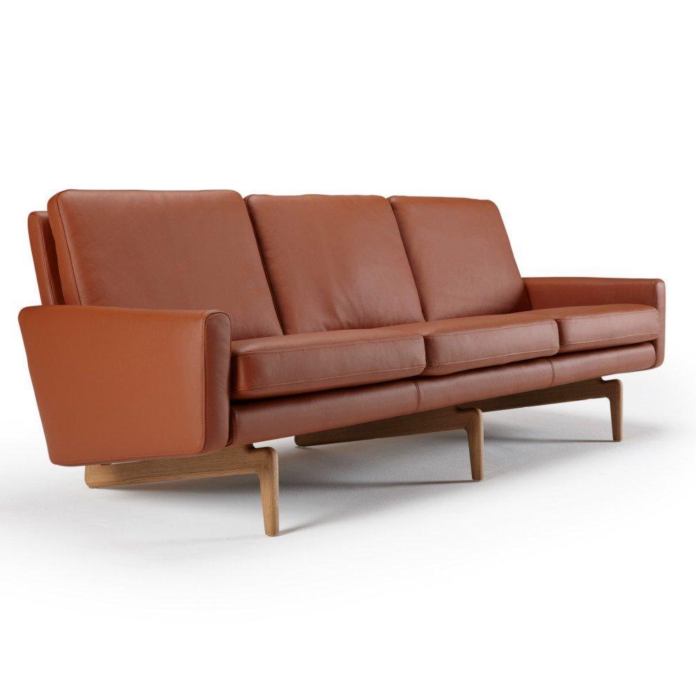 Canapé 3 places design scandinave EGSMARK piétement en chêne cuir cognac
