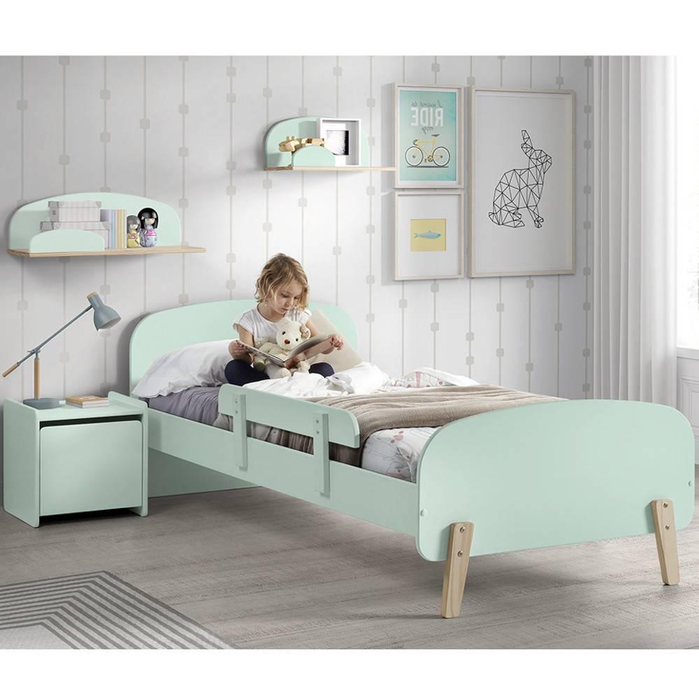 chambre enfant chambre literie ensemble chambre enfant infini vert pastel avec barri re de. Black Bedroom Furniture Sets. Home Design Ideas