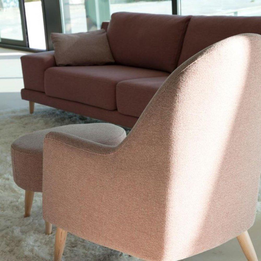 fauteuils poufs design au meilleur prix fama fauteuil miranda style scandinave avec pouf. Black Bedroom Furniture Sets. Home Design Ideas