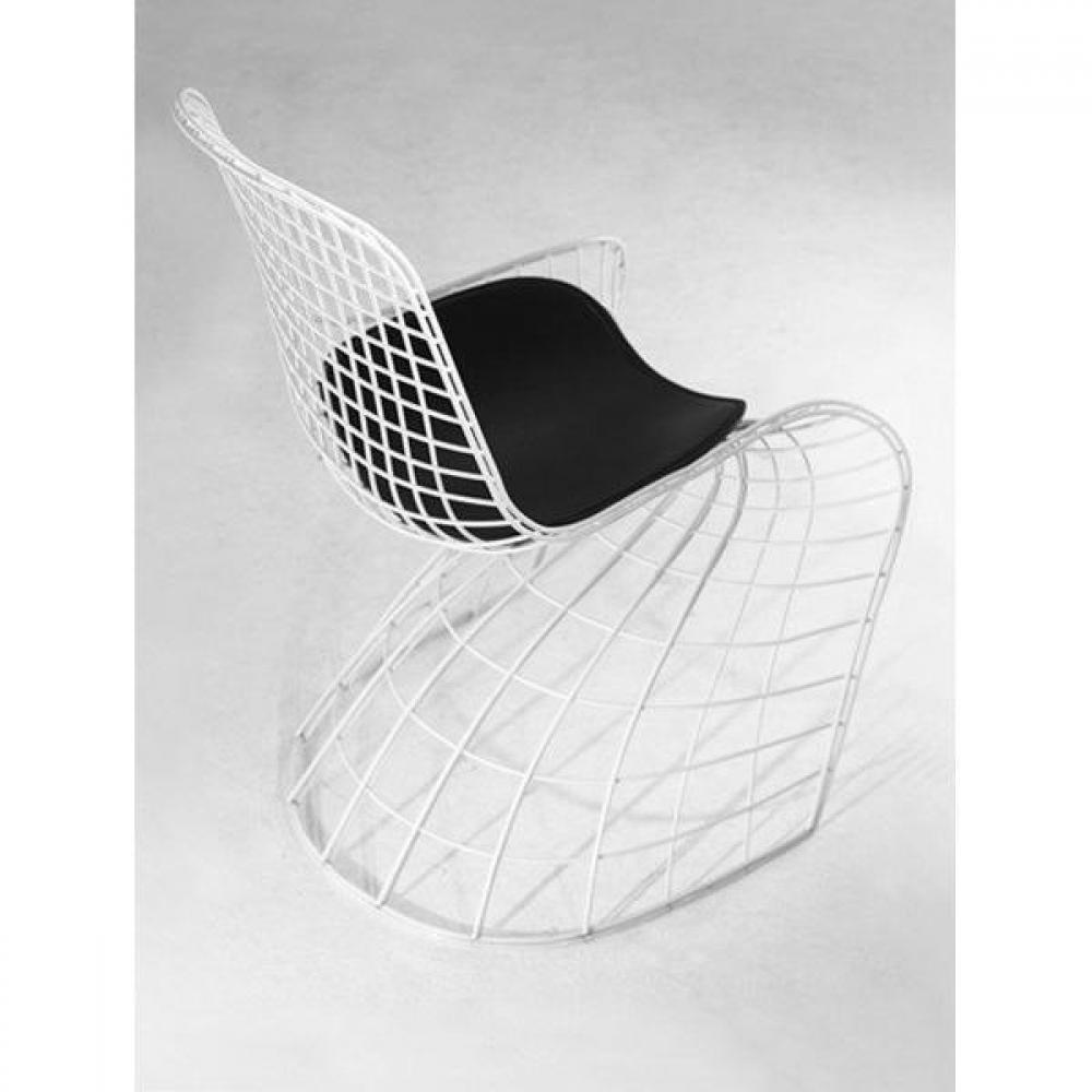 chaise design ergonomique et stylis e au meilleur prix ghost chaise design m tallique fa on. Black Bedroom Furniture Sets. Home Design Ideas