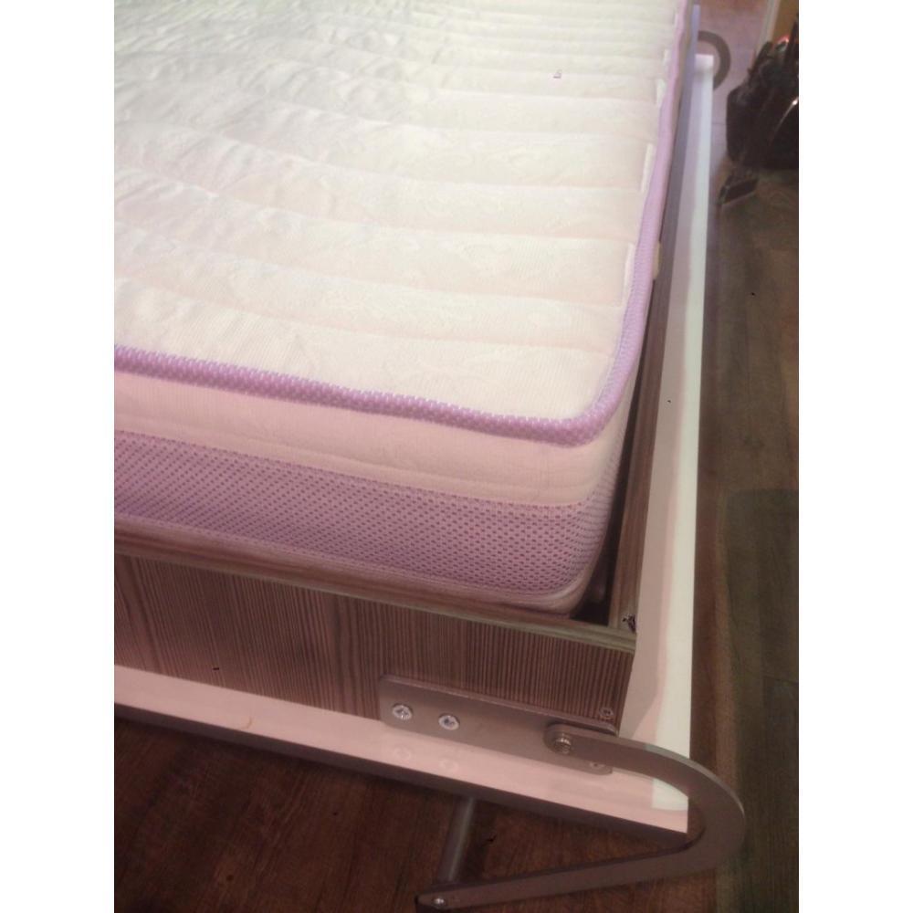 armoire lit escamotables au meilleur prix armoire lit escamotable kubic taupe couchage 90 18. Black Bedroom Furniture Sets. Home Design Ideas