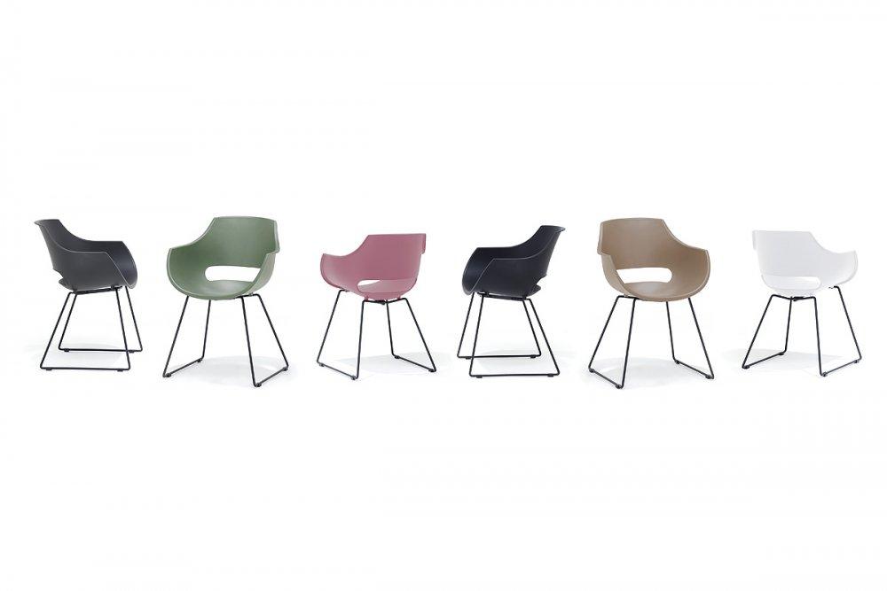 Lot de 4 chaises design REMO coque noire piétement luge métal noir mat