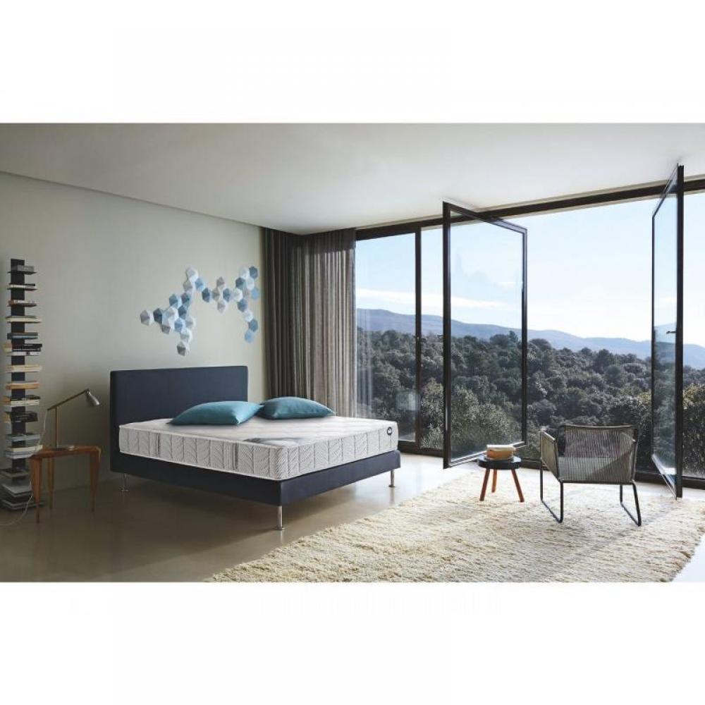 sommiers au meilleur prix bultex sommier tapissier bultex lattes bois massif pieds inclus. Black Bedroom Furniture Sets. Home Design Ideas