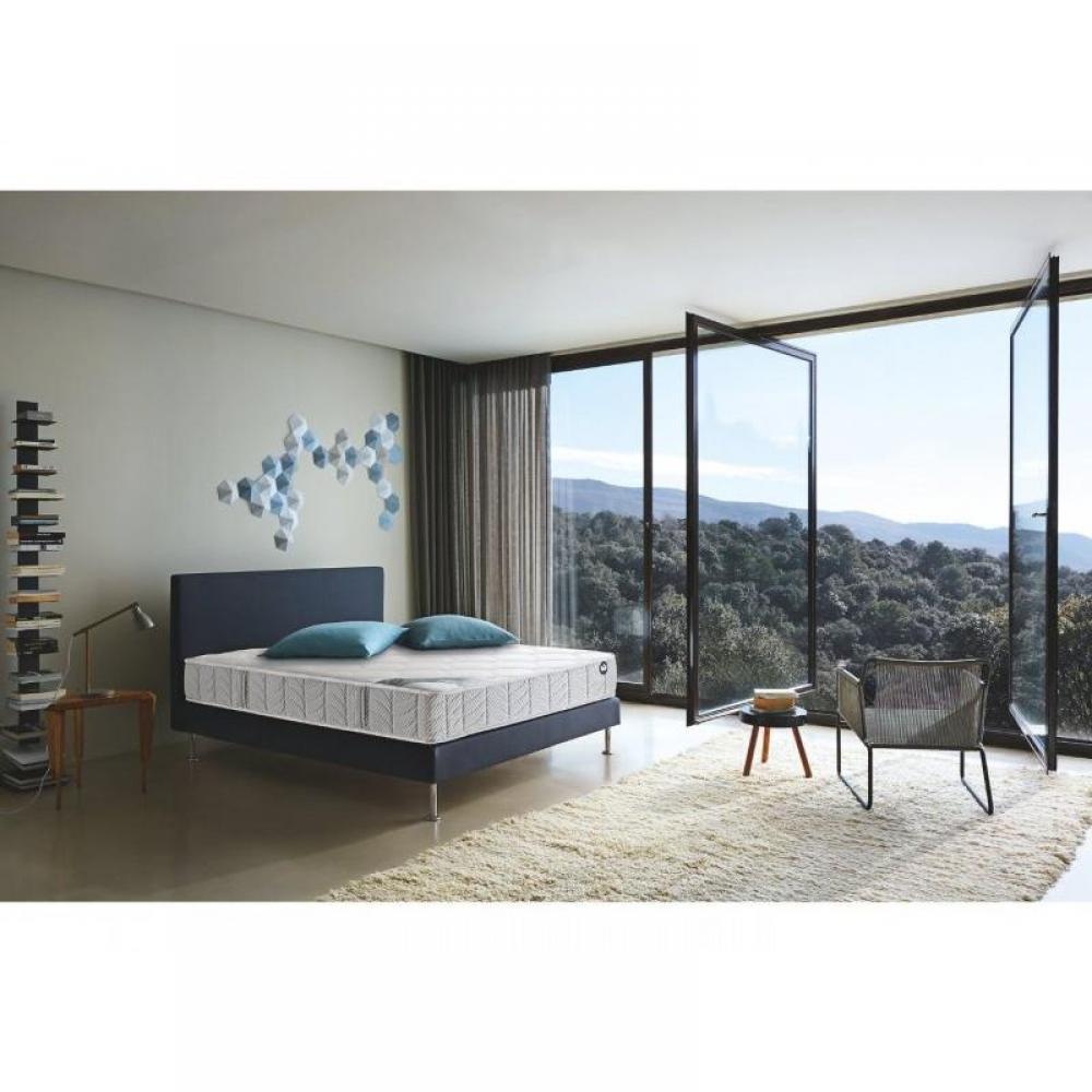 sommiers au meilleur prix bultex sommier tapissier 160 200 bultex lattes bois massif pieds. Black Bedroom Furniture Sets. Home Design Ideas