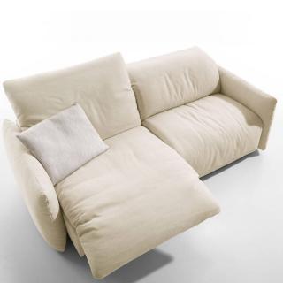 Canapé 3/4 places haut de gamme ALEXA de KOINOR avec assises motorisées par Touch It Technology