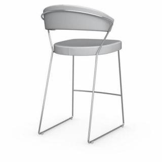chaise design ergonomique et stylis e au meilleur prix chaise de bar new york design italienne. Black Bedroom Furniture Sets. Home Design Ideas