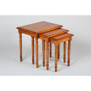 Lot de 3 tables gigognes VERNE en merisier de style Louis Philippe