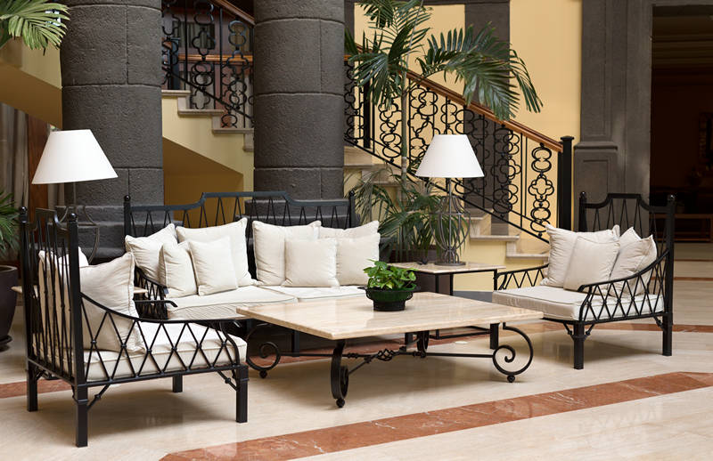 canape-chaise-table-salon-hotel-lobby